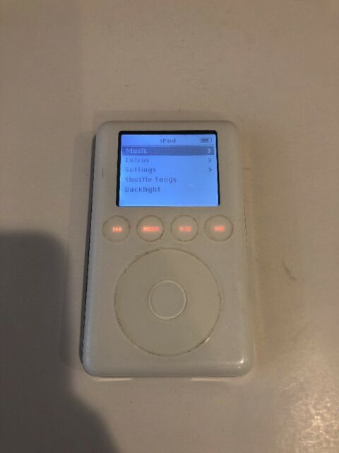 Apple iPod classic 3rd Generation White (10 GB) A1040 - Good Condition