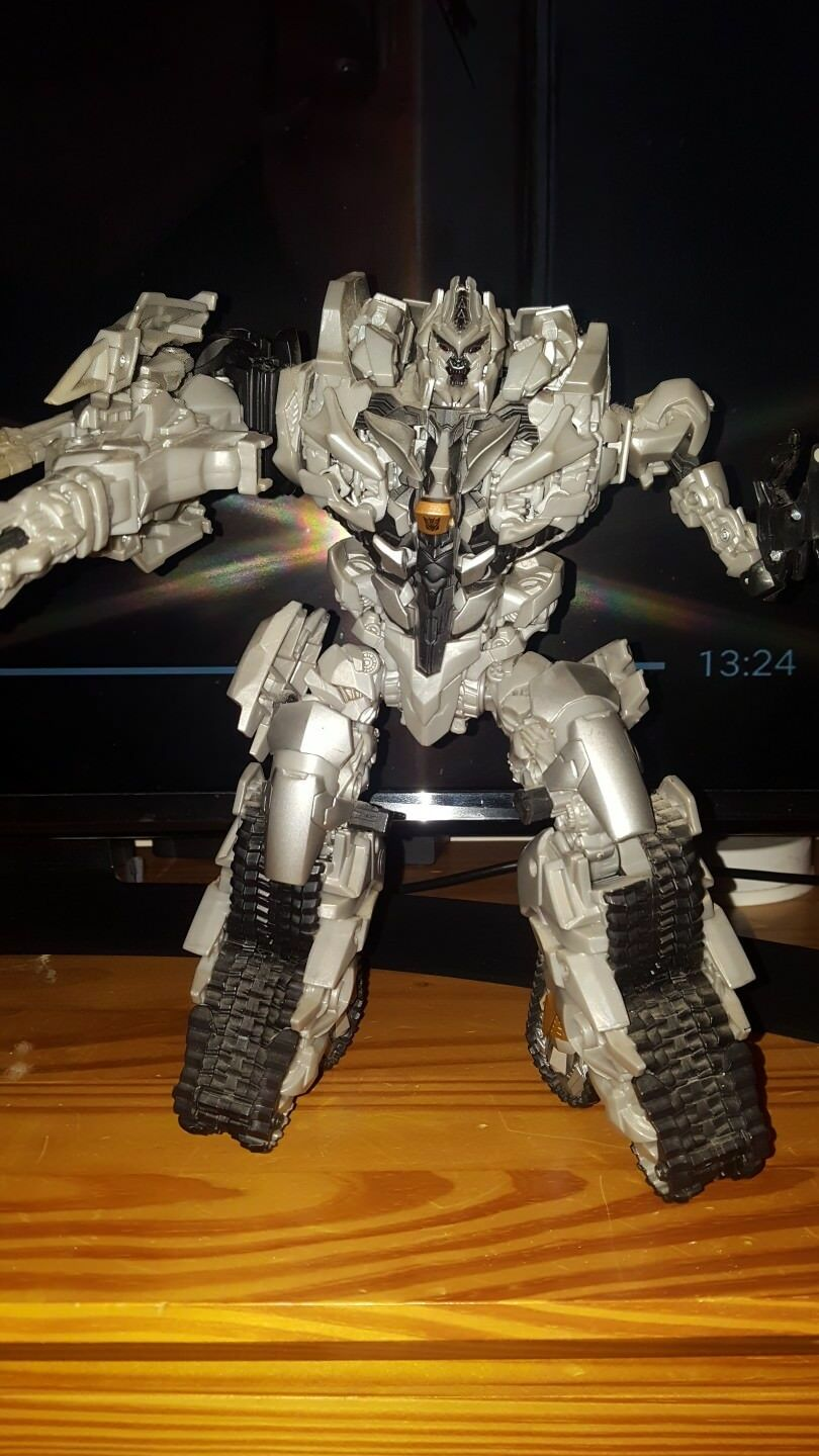 Transformers redF Leader Class Megatron