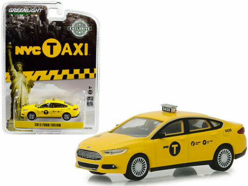 NYC TAXI New York City *** Greenlight Hobby only 1:64 OVP 2013 Ford Fusion