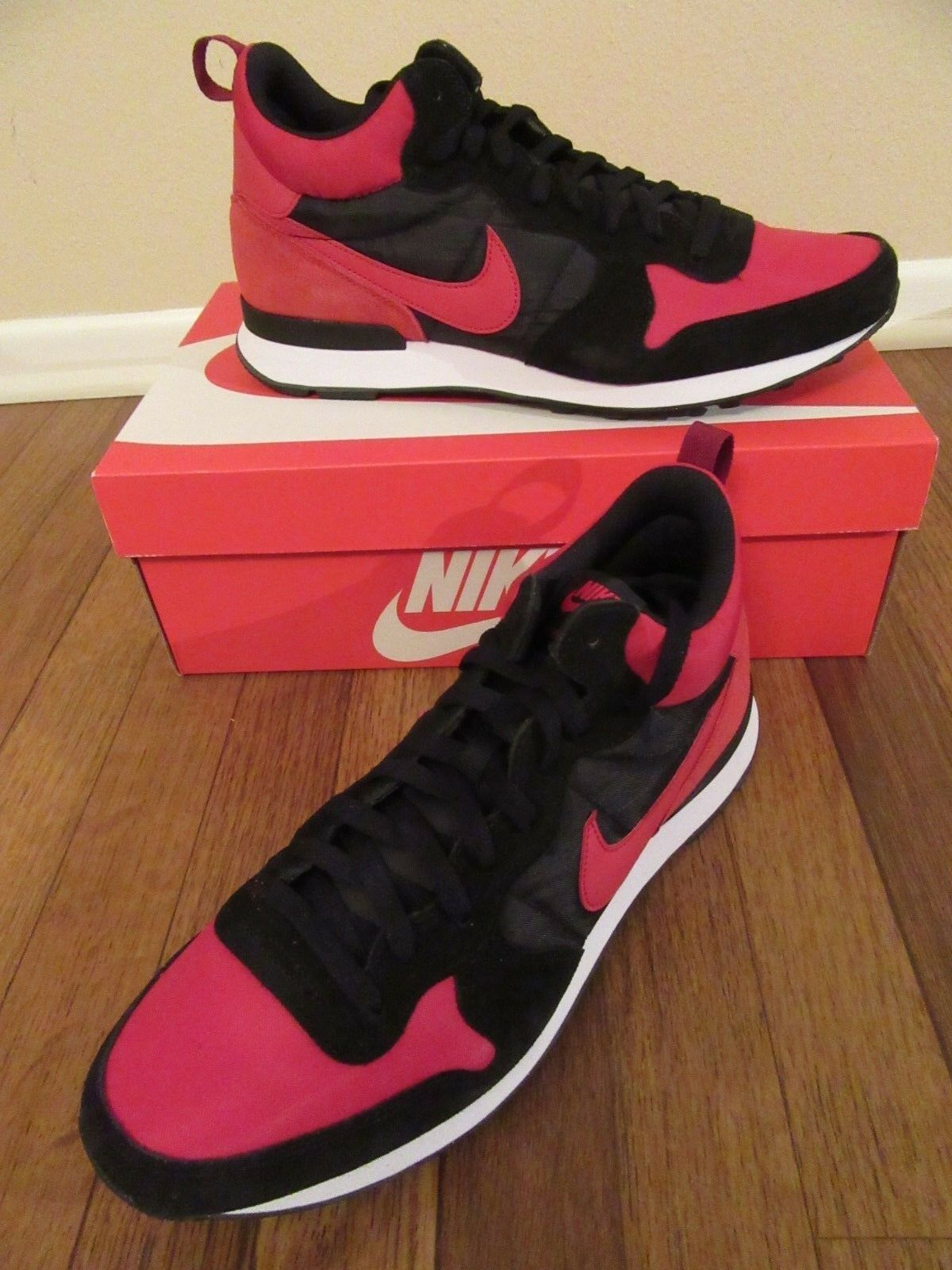 detailing 500c1 f450c Nike Internationalist Mid Size 11.5 Varsity Varsity Varsity Red Black White  682844 606 New NIB 0581a8
