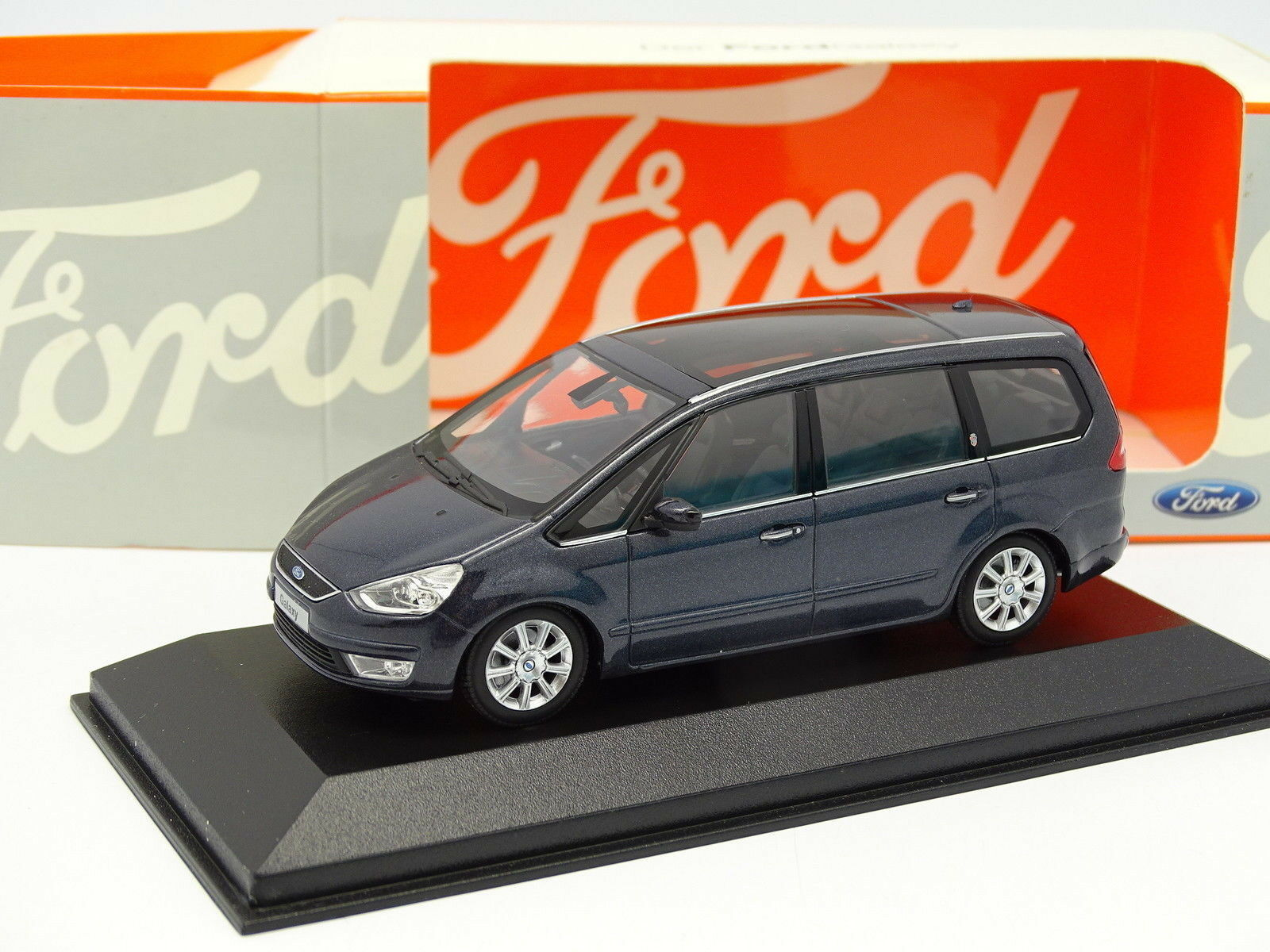 Minichamps 1 43 - Ford Galaxy Anthrazitgrau 2006