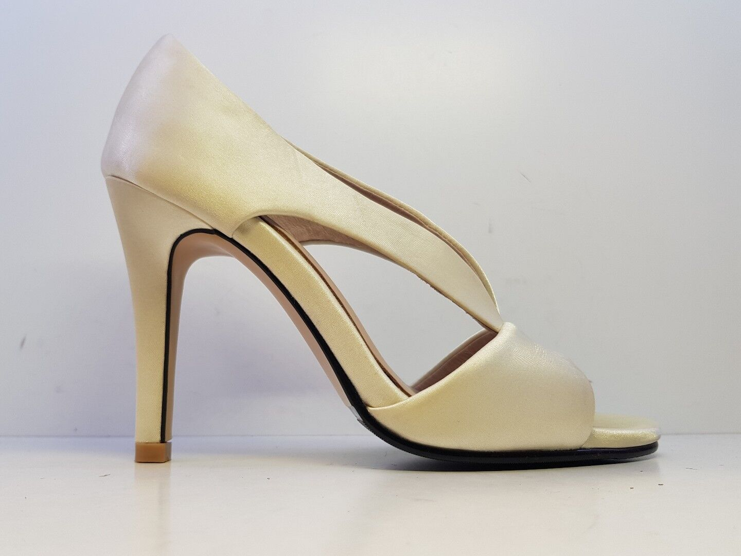 Solely Original Bespoke Satin Peep Toe Heels Cream SIZE UK 3