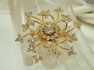 Super-Sparkly-amp-Pretty-Vintage-1950s-Rhinestone-Star-Flower-Brooch-291JL4