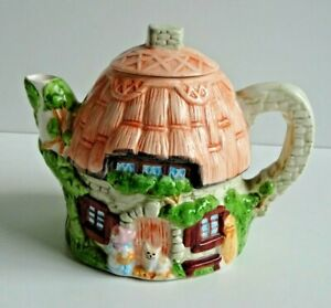 VINTAGE-TEAPOT-1980s-1990s-STONE-COUNTRY-COTTAGE-THATCHED-ROOF-AND-CAT-RETRO
