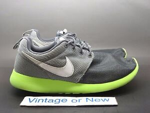 bc7c428e1288e Nike Roshe One Run Dark Grey White Volt Wolf Grey Running GS 599728 ...