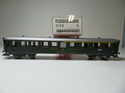 Top in OVP Schnellzugwagen grün 1.//2 Fleischmann H0 5138 K 205HO SBB Kl