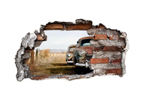3D Wandtattoo Old Rusted Cars BLICK DURCH DIE MAUER WANDBILD wirkt wie gemalt