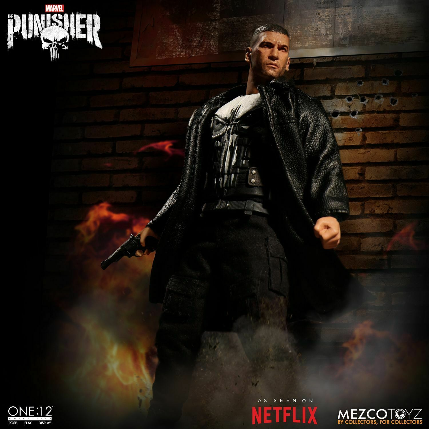 Mezco Toyz One 12 Collective Marvel Comics Punisher 1 12 Scale 6  Figure In Hand