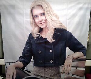 Fotodruck-Stoffbanner-034-Blonde-Woman-034-160-x-160-cm
