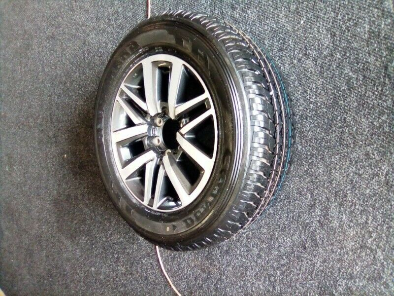 "18""Toyota Hilux/Fortuner original mag with brand new 265/60/18 Dunlop  AT to use for spare R3650"