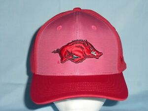 One Size Fits All  NWT $25 retail KANSAS JAYHAWKS Snapback style CAP//HAT  T.O.W
