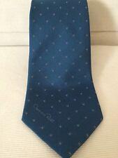 Oscar de la Renta Hand Made Silk Mens Blue Dots Neck Tie Classic Fit Logo