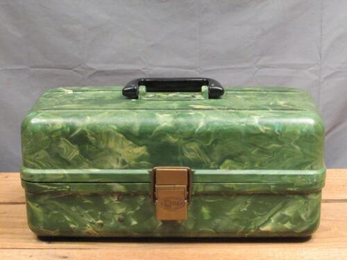 Vintage Plano Co. Bakélite Fishing Tackle Box & contenu complet de Leurres, Cuillers +