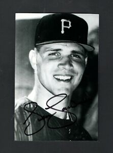 1998 SEAN LAWRENCE-PITTSBURGH PIRATES AUTOGRAPHED POSTCARD PHOTO