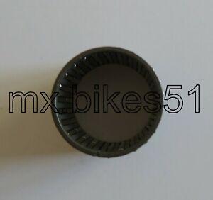 09263-35017-000-Roulement-aiguilles-35x40x35-8-SUZUKI-600-650-1200-Bandit-95-06
