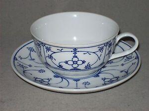 Ingres-Weiss-Form-Marienbad-Teetasse-inkl-Untere-Tasse-Indisch-Blau-Strohblume