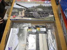 BRONCO CB35109, 1/35 RUSSIAN SELF PROPELLED GUN SU-152 (KV-14) PLASTIC MODEL KIT