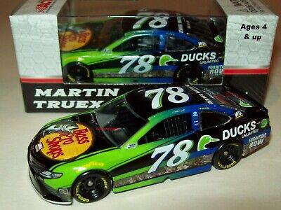 Martin Truex 2017 ACTION 1:64 #78 Bass Pro Shops Ducks Unlimited Toyota Diecast