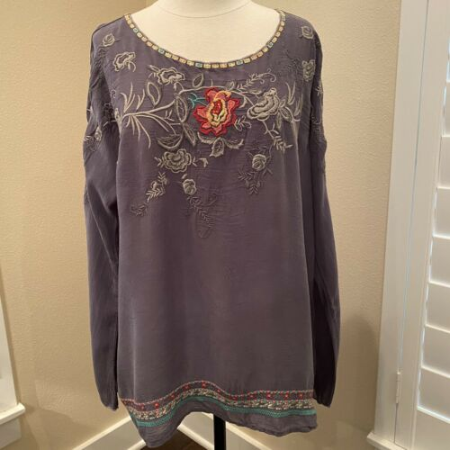 Johnny Was Embroidered Gray Blouse Rayon Pullover