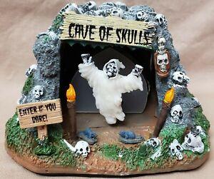 Spooky Town Cave of Skulls Lemax Halloween Village Color Change Light 2013 34602
