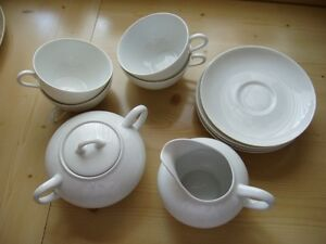 Hutschenreuther-Tee-Kaffeservice-fuer-4-Personen-weiss-11-teilig