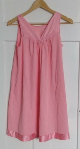 Vintage Set of Vanity Fair Pink Nightgown & Robe N