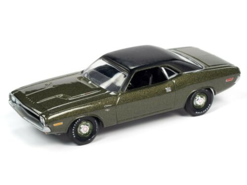 Auto World New Premium /'70 Dodge Challenger R//T 1:64th Scale Diecast Cars