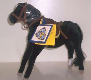 APPLAUSE-New-York-Police-Horses-Black-183