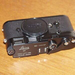 Leica-M3-BLACK-35mm-film-rangefinder-camera-BODY-ONLY-1961