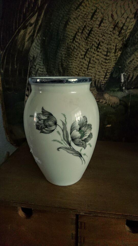 Porcelæn, Vase, Kongelig porcelæns maleri.