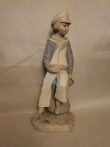 LLADRO-Spain-Sailor-Boy-Yacht-Sail-Boat-4810-Porcelain-Figurine-Matte-Finish