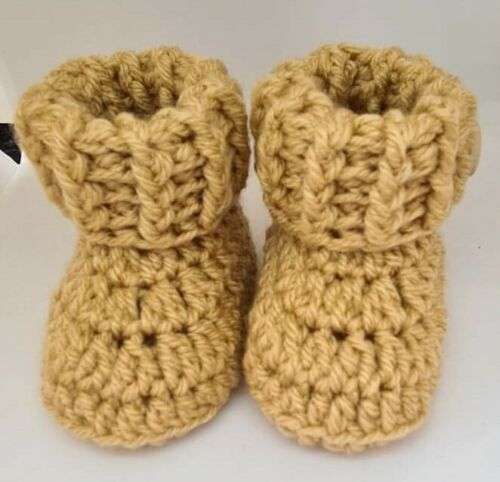 0-3 3-6 or 6-9 months baby cuffed booties oatmeal crochet//knitted newborn