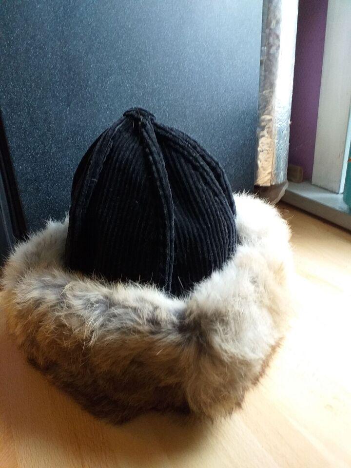 Hat, Hat med ægte pels, Måske hjemmelavede