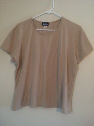 Vassar Women's Size X-Large Light Brown Short Slee