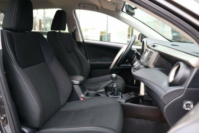 Toyota RAV4 2,0 D-4D T2+