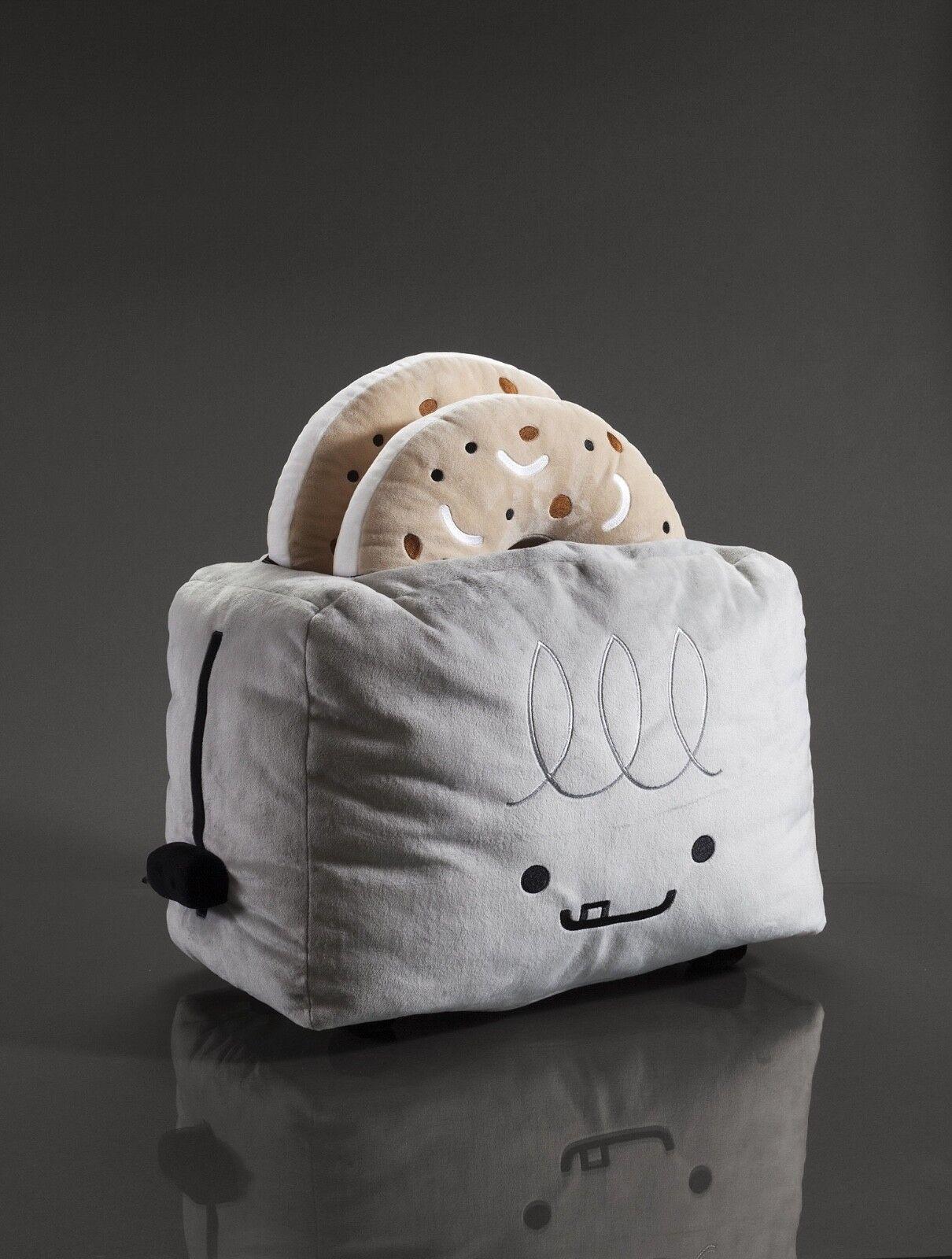 Unterzeichnet von künstler jede bffs - travis cain verkauf toaster & bagel plushes