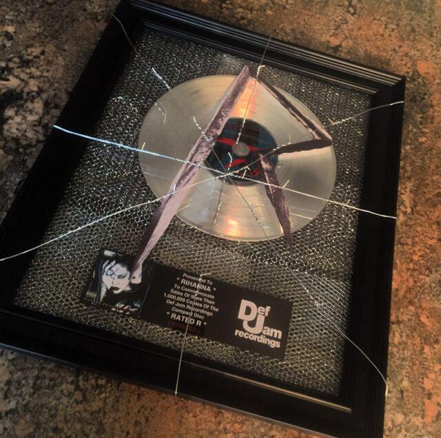 Rihanna Rated R Remixed Platinum Disc Record Album Music Award MTV Grammy RIAA