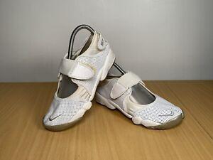 Nike-AIR-RIFT-Split-Toe-in-Pelle-bianco-Scarpe-da-ginnastica-ZEN-Tg-UK-5-5-EUR-39