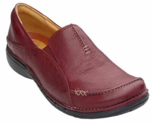 Clarks Un.Buckle Women's Shoes Unstructured Un.Buckle Clarks Leather Slip On Loafer,Size 6M 13f4d7
