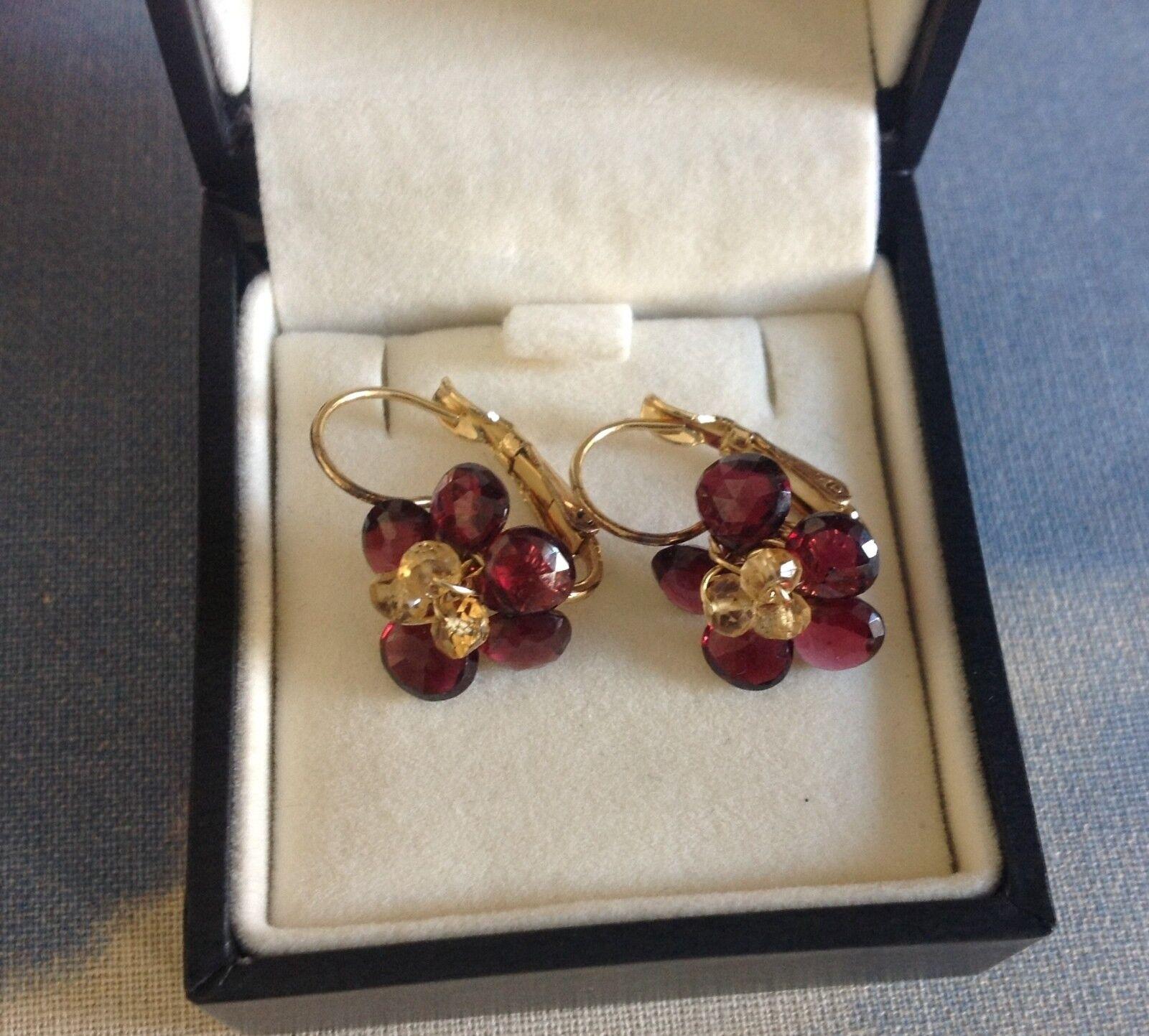 14K gold earrings with granat gemstones