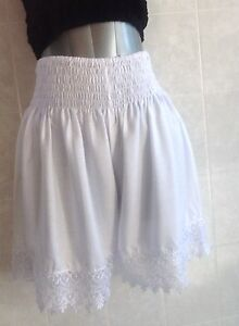 Plus-Size-White-Shorts-with-Long-Lace-Trim-Shirred-Elastic-Waistband-3XL-18-24