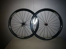 Oval Concepts 327 700c Alloy Road Bike Front Wheel Clincher Red//Silv QR NEW