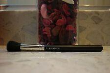 MAC 109 Small Contour Brush **Brand new, authentic (highlighter blush brush)