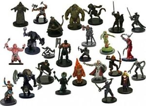 NICE-LOT-OF-ASSORTED-D-amp-D-MINIATURES-30-DIFFERENT-Figures-amp-SEALED-With-CARDS