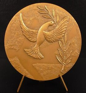 Medal-Call-of-Hundred-de-Paris-the-Paix-the-Dove-Flying-Dove-Peace-Medal