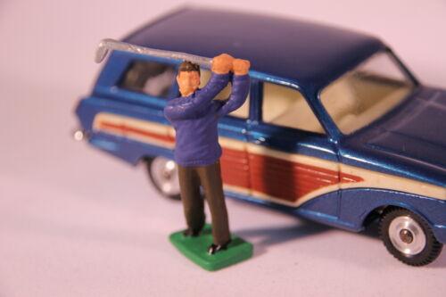 Reproduction - Painted Corgi 440 Ford Cortina Estate Golfer Figure