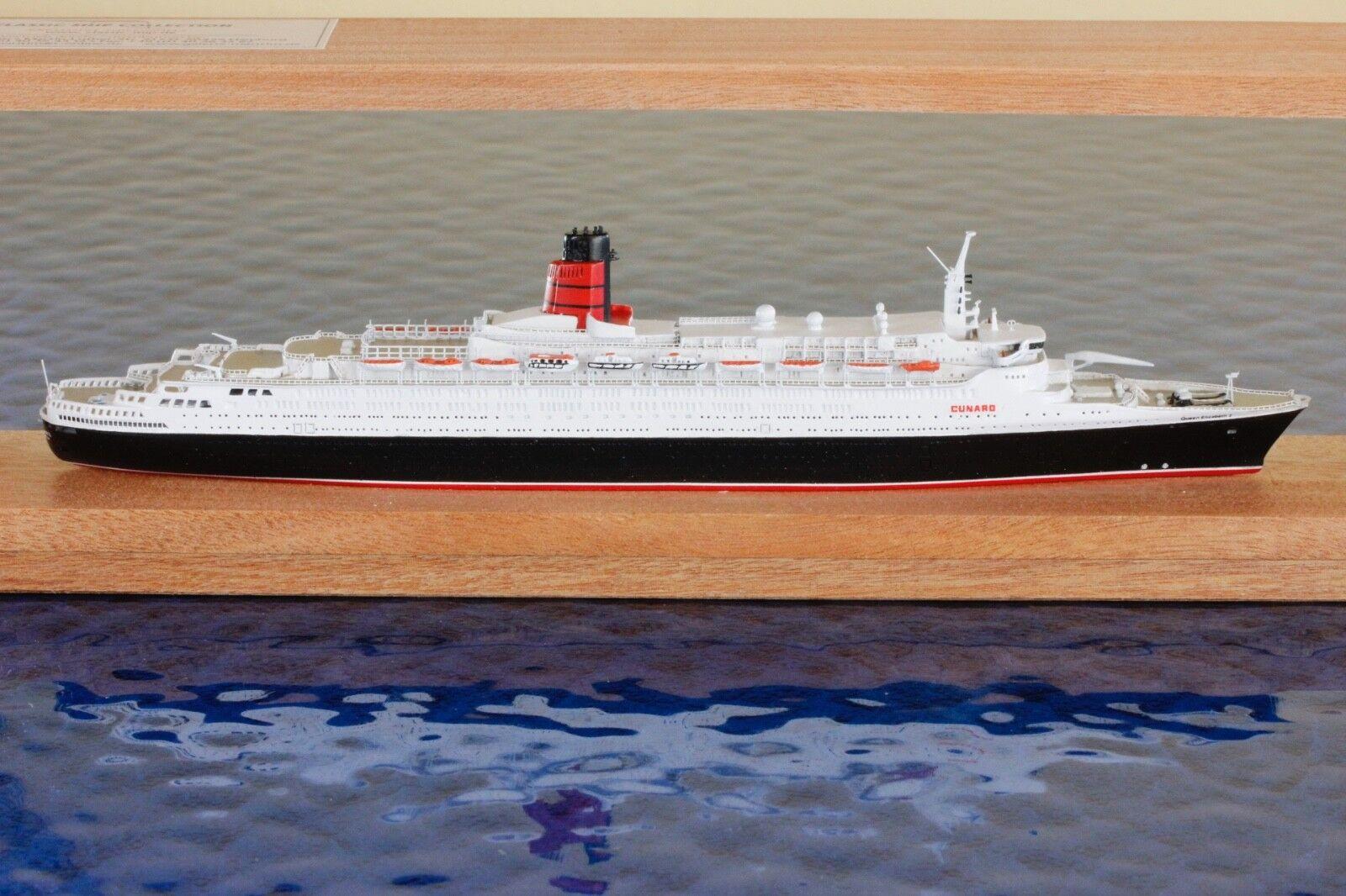 Queen Elizabeth 2 con imballaggio originale produttore CSC 9b,1 1250 Nave Modello