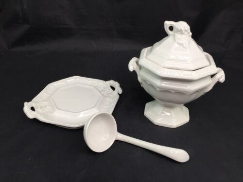 Details about  /Red Cliff Grape Small Tureen with Lid Ladle and Underplate Sauce Gravy Mini