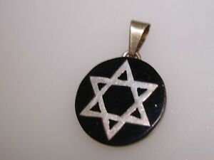 LOVELY-SIGNED-034-GKV-034-VINTAGE-TAXCO-MEXICO-STERLING-INLAY-JEWISH-STAR-PENDANT
