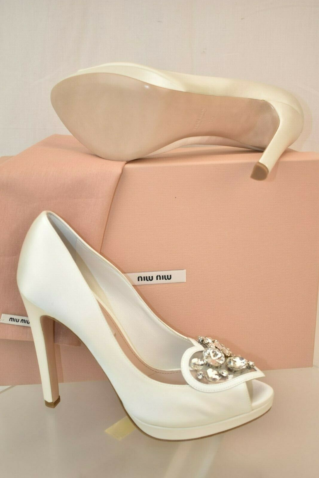 MIU MIU PRADA WHITE SATIN SATIN SATIN JEWELED CRYSTALS PLATFORM PEEP TOE WEDDING PUMPS 40 2c423a